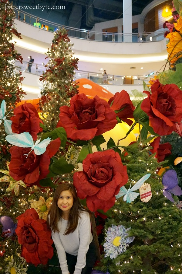 xmas deco in mall 2014